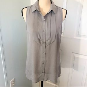 Banana Republic sleeveless button up blouse